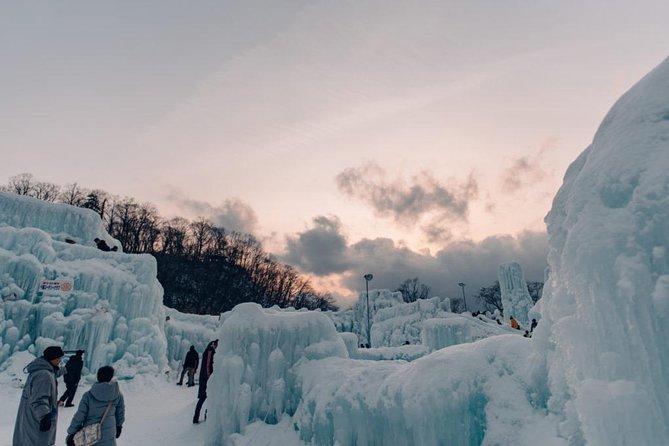 Explore Shikotsu Ice Festival (day tour), Sapporo, JAPON