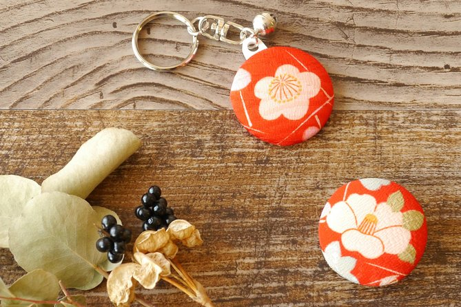 """* Create a unique keyring that's truly yours or for your loved one, choose from 1000s of fabrics.<br>* Take home a memorable """"only one in the world"""" souvenir of Japan <br>* After you made your items, relax in our café with your favorite drink and baked cakes. <br><br>※Watalis product (Fuguro: directly translated as a """"bag"""" in Miyagi dialect) was gifted to President of Taiwan by the Governor of Miyagi. FUGURO, one Miyagi prefecture souvenir everyone will love!"""