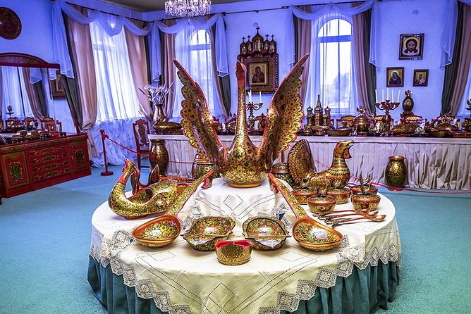 """Semenov is one of the Golden Ring cities of Russia, located on the river Sanahta 70 kilometers from Nizhny Novgorod. City Semenov - the world famous center of folk handicrafts of Nizhny Novgorod region, called the town of the """"Golden Khokhloma"""" and listed as a historic site of Russia. Semenov is one of the most interesting """"small"""" Golden Ring towns with unusual layout of the French provincial town, because of which the city is sometimes proudly called """"Little Paris"""". It is the town of Semenov where the first matryoshka appeared, that became a symbol of Russia.<br><br>We offer a trip to the extraordinary city of Semenov. In the city you will visit the factory """"Khokhloma painting"""", see the way how the simple wooden piece turns into a bowl or a vase of great beauty. Visit the museum """"Golden Khokhloma"""" where you will see the unique collection of modern products and an interesting collection of the oldest products from Semenov masters.<br><br>• Guaranteed skip-the-line entrance"""