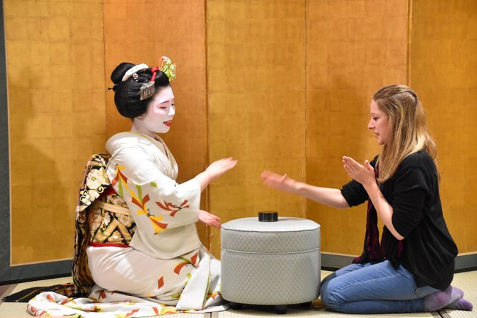 【Every Thr】MAIKO (Geisha) Performance @Kyoto Sta. Area, Kioto, JAPON