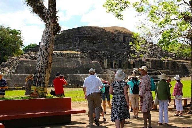 On this tour, you will learn about the Mayan and colonial past of El Salvador. On route, you will see the beautiful Coatepeque Lake.<br><br>Your tour will start with a visit to the Tazumal ruins and the largest Mayan pyramid in the country. You'll also see Casablanca and Indigo process at Chalchuapa. Later you will visit Santa Ana with its charming city center.