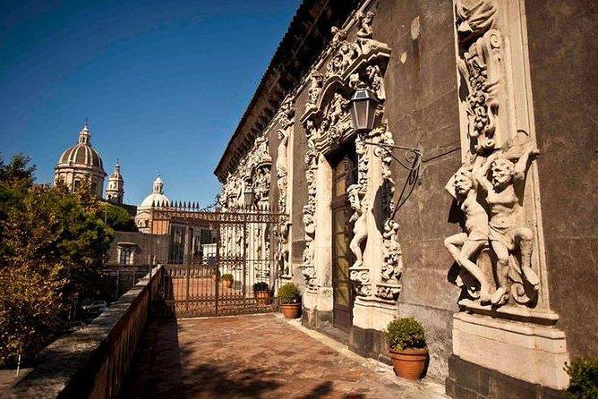 INSIDE THE ARISTOCRACY : CATANIA and FIUMEFREDDO, Siracusa, Itália