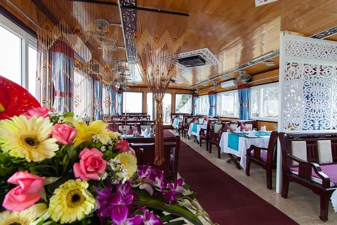 Halong Bay Small-Group Full-Day Tour by Boat with Lunch, Halong Bay, VIETNAM