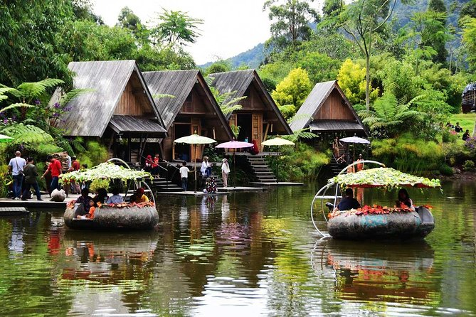 Experience this full day tour by chartered car that showcases the beautiful scenery of Bandung. Take a scenic Bandung drive in the comfort with your own personal guide. Visit the natural tourist attraction and recreation space located on the foot of Mount Burangrang Cisarua Lembang. Next, enjoy your time at Lembang Floating Market with various vendors selling stuff & Farmhouse themepark with fun European concept.<br>Highlights:<br>• Explore Dusun Bambu (Bamboo Village) with beautiful bamboo deco & scenery<br>• Experience shopping by the Lembang Floating Market with variety kind of local stuff<br>• Have fun at the European concept of Farmhouse Lembang <br>• Hotel or Airport pickup & drop off included