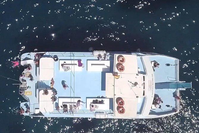 Crucero con visitas a Cala Comte y la playa de Cala Bassa al atardecer, Ibiza, ESPAÑA