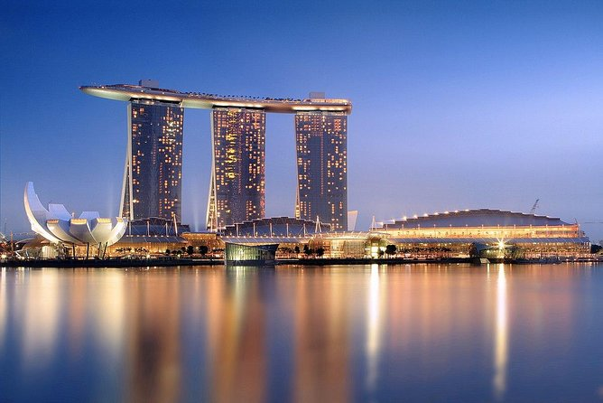 The Sands SkyPark is an architectural masterpiece sitting on top of the three hotel towers at Marina Bay Sands. This 1.2 hectare tropical oasis is longer than the Eiffel Tower is tall and large enough to park four-and-a-half A380 jumbo jets. An audio guide is available.