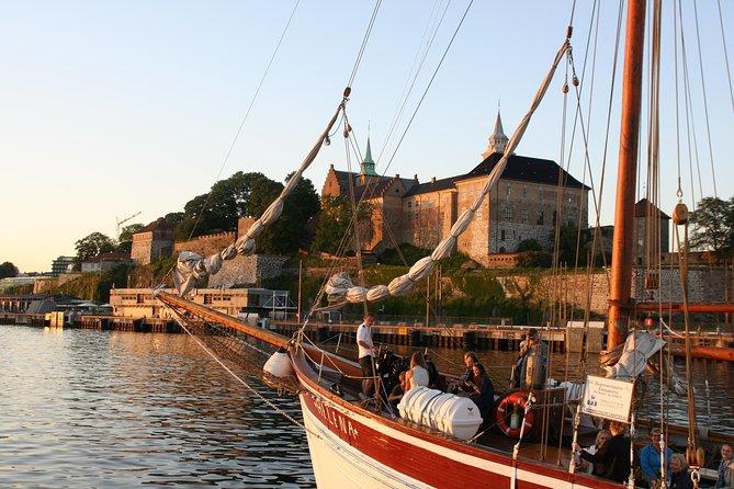 Cruzeiro noturno norueguês de 3 horas a bordo de um barco de madeira no fiorde de Oslo, Oslo, NORUEGA