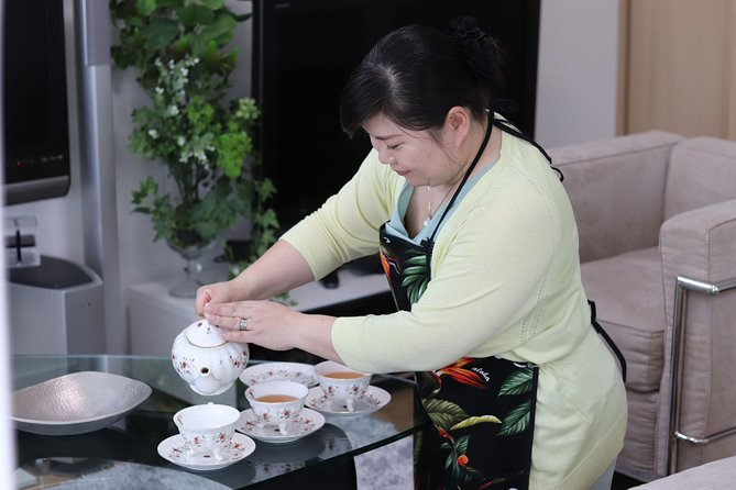 Japanese Cooking Lesson and Meal with a Local Professional in her Lovely Home, Sapporo, JAPON