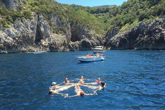 Amalfi to Capri Private Boat Tour, Amalfi, ITALIA