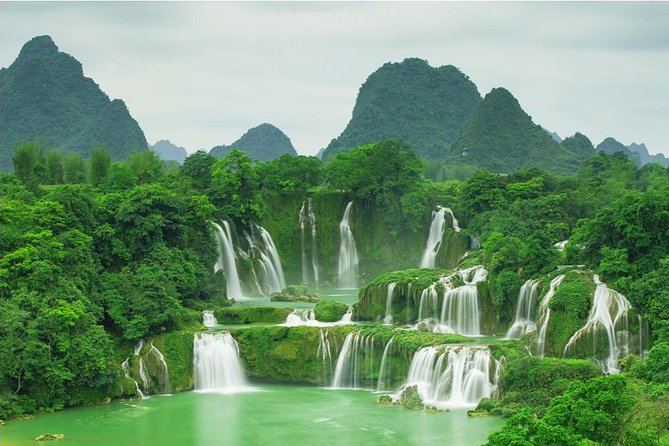 This exclusive small-group tour takes visitors from the venerable city of Hanoi, complete with stately French colonial buildings and a bustling old Vietnamese quarter, to the natural wonderland that is Ba Be Lake and the Ban Gioc waterfalls, the world's 4th largest border waterfall after Niagara, Iguacu and Victoria. You will also be able interact with the ethnic Tay minority in small villages and explore the Nang River by boat.