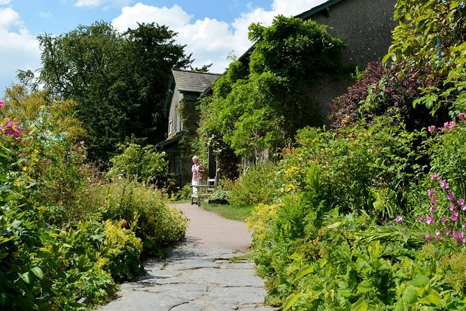 Enjoy two nights' stay at the 4-star Lindeth Howe Country House Hotel — formerly owned by beloved children's author Beatrix Potter — located close to Lake Windermere. <br>This comfortable hotel is set in six acres of mature gardens and offers superb accommodation and fine dinning in its award-winning restaurant. Views over the lake and to the fells are spectacular anytime of the year.<br>Enjoy our Beatrix Potters Favourite Countryside Tour, this half day afternoon tour includes a lake cruise and visits the medieval village of Hawkshead and the beauty spot of Tarn Hows.