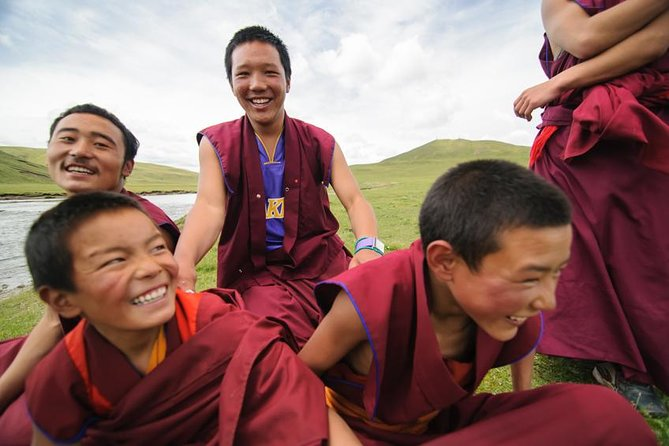 If you are looking to get out of the city and sleep in the peace and quiet of the Tibetan countryside – this is the tour for you. Venture to Qinghai's largest monastery, Rebkong Longwu monastery, and then sleep for 2 nights in an authentic Tibetan homestay as we enjoy the slower pace of life in the high mountains outside of Rebkong town. This tour includes a terrific half day hike and a dip in the local hot springs.