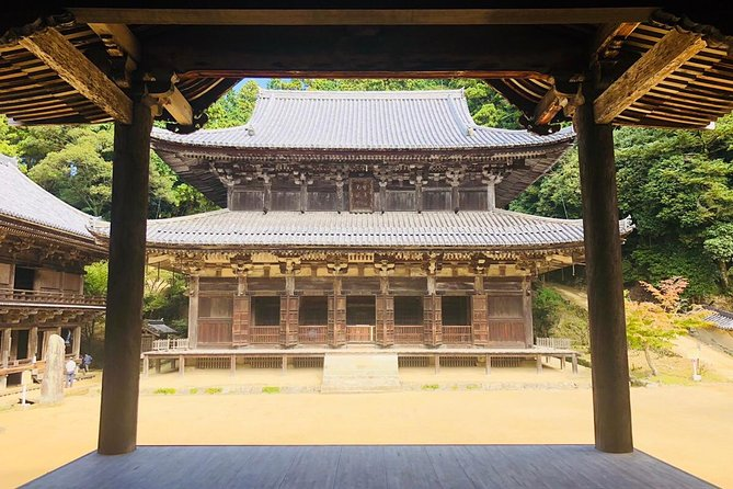 "【Highlights】 <br><br>A traditional ascetic training at a solemn hall which was used as the setting of the Hollywood movie ""The Last Samurai""<br><br>Climbing up Mt. Shosha with a Ropeway and have a panoramic view of Himeji city<br><br>Mountain climbing and forest bathing at a place known for its spirituality<br><br>You can learn the culture and the history form a monk directly.<br><br>Vegetarian cuisine with alcohol(Option)"