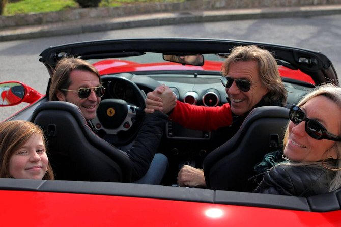 2-hour sightseeing driving experience in a Ferrari California T, V8 2+2. <br><br>Take a family member or a friend andenjoy the panoramic views of the Côte d'Azur and the winding roads above Monaco! <br><br>Stopping for photos at 5 impressive viewpointsabove Monaco,Cap Ferrat, Ville-franche, Nice and Baie des Anges.