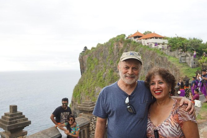 Private half day tour will visit most visited place such us Padang-padang beach, uluwatu Temple and Jimbaran Beach. This tour will take you 6 hour tour to enjoy visiting most popular place with no bored because each place is close by each other.