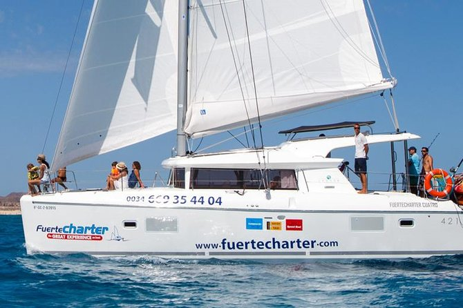 Enjoy an extra-special birthday, hen or stag party experience or a romantic day at sea. All this is possible on this trip that guarantees privacy in a unique setting with all the amenities our catamarans can offer. Sail with your friends and family