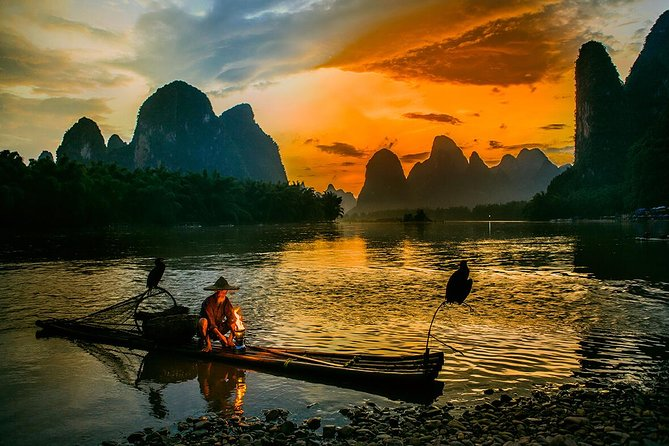 The 3 days Guilin private tour excluding hotel will lead you to: Elephant Trunk Hill, Fubo Hill, Flute Cave, Seven Star Park, Yangshuo, and Longji Terrace Field. They are among the most highlight tourist attractions in Guilin. Tourists who are interested in natural scenery and love photo taking should never miss Guilin city during their China tour.