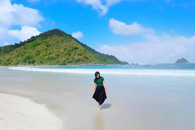 1 Day Kuta Lombok Tour is available for people who have booked hotel already and looking for local tours with airport transfer and local guide to show the beautiful place in Kuta Lombok Area this tour package is the best choice.
