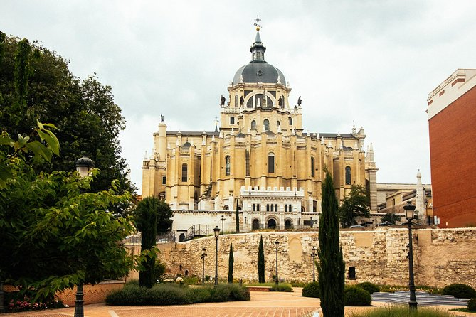 Withlocals Highlights & Hidden Gems™: Best of Madrid PRIVATE Tour, Madrid, ESPAÑA