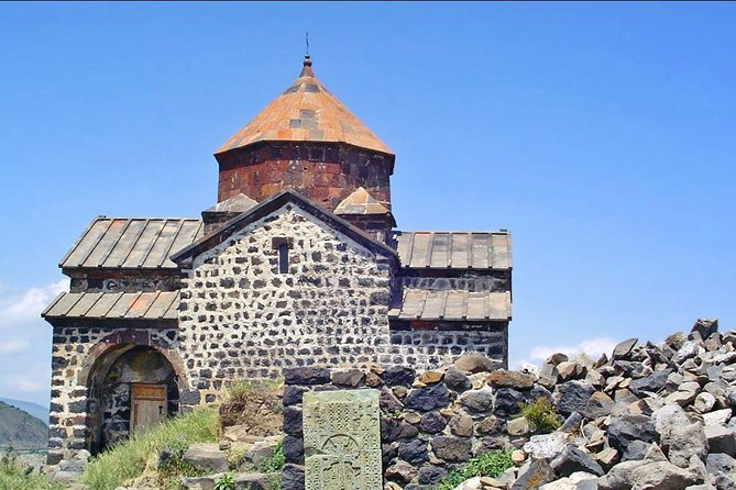 See Tsaghkadzor, known as Valley of Flowers, on this 6-7-hour tour. Ride on the ropeway (optional) to admire whole the beauty of the place. Go to the Kecharis monastery complex in Tsaghkadzor before going to Lake Sevan, pearl of this mountainous country. Stop at the Sevanavank Monastery complex on Sevan Peninsula.