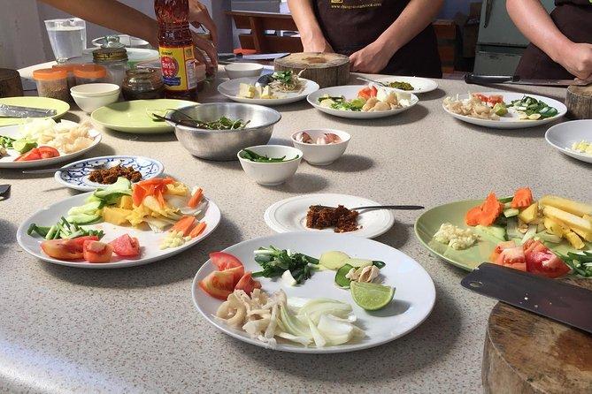 Small-Group Smart Thai Cooking Class in Krabi, Krabi, TAILANDIA