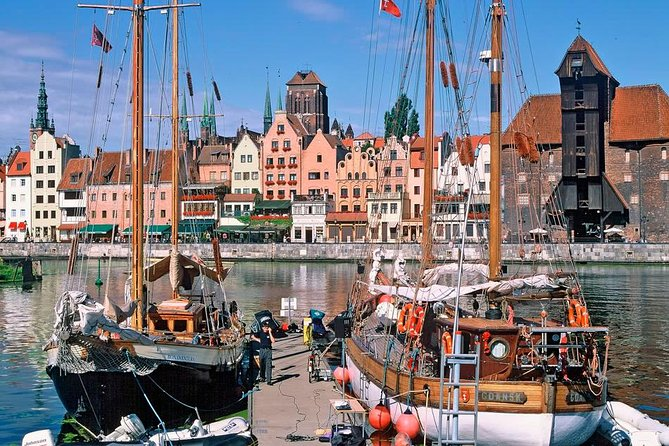 Explore the Tri-City area on an 7-hour sightseeing tour that includes a visit to Gdansk, Sopot and Gdynia. Discover beautiful beaches, enchanting middle ages old town and city from the sea and dreams.