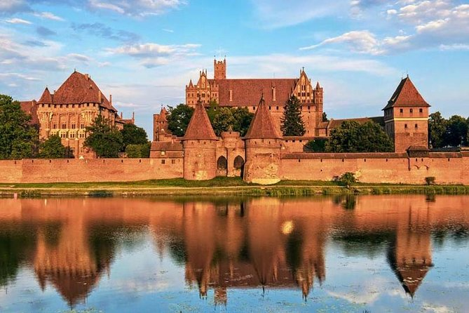Discover Malbork Castle, one of the most valuable monuments of Polish architecture and a UNESCO World Heritage Site. Learn about the history of the Teutonic Order and explore the largest Gothic fortress in Europe.