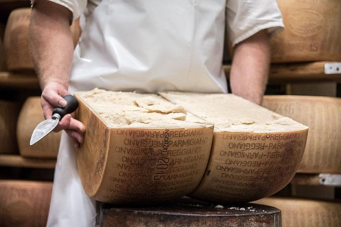 A journey to discover Parma and its traditions to get to know the culinary traditions for which this area is famous during this 6-hour food tour. Visit a cheese factory. Learn about the famous Parma ham. End the tour in a typical restaurant,where you will enjoy all the products of the territory and taste local wines like Lambrusco and Malvasia.