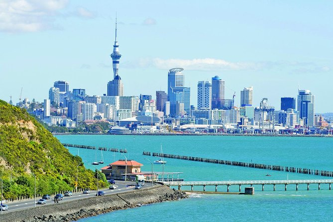 Join this spectacular 3-day tour for the chance to see Auckland and the Bay of Islands conveniently. Pickup from Auckland airport on arrival and 2-nights' accommodation in Auckland included. Experience a full-day tour up to the Bay of islands a year round destination and the birth place of our nation, including a guided tour of Waitangi. Explore the townships of both Paihia and Russell.
