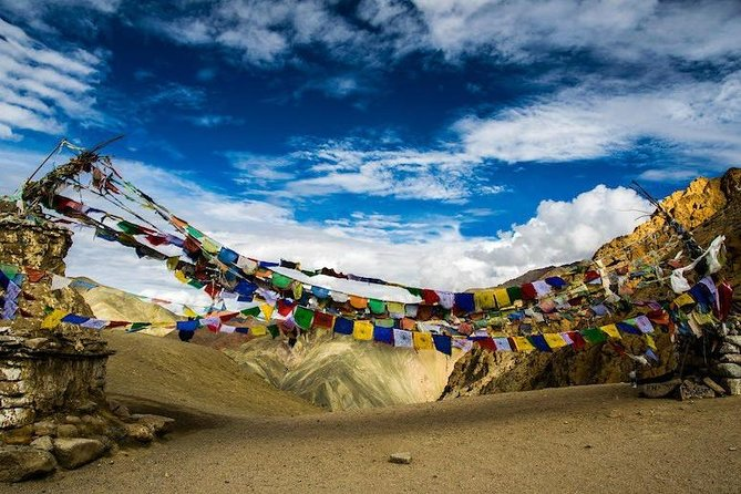 04 Nights - 05 Days Private Leh Ladakh Tour Package<br><br>02 Nights in Leh<br><br>01 Night in Nubra Valley<br><br>01 Night in Pangong Lake