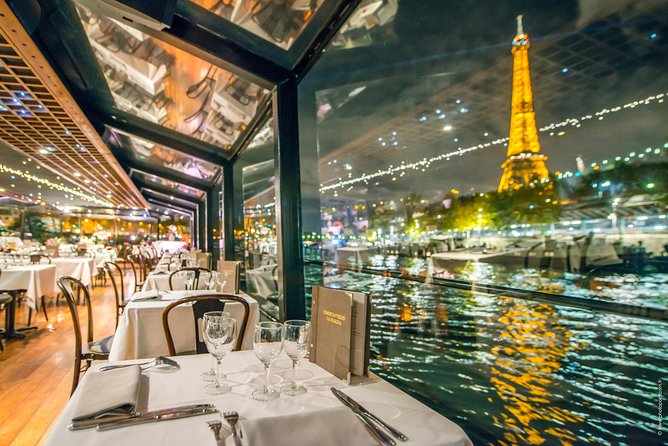 Exclusive: 3 Course Dinner Cruise with Champagne at Paris Seine, Paris, FRANCIA