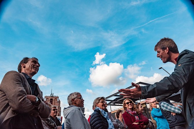 Our enthousiastic guides have been guiding people for about 7 years through Leeuwarden and have been rated as the best tours in Leeuwarden ever since. So join these enthousiastic guides and let them bring this city to life.
