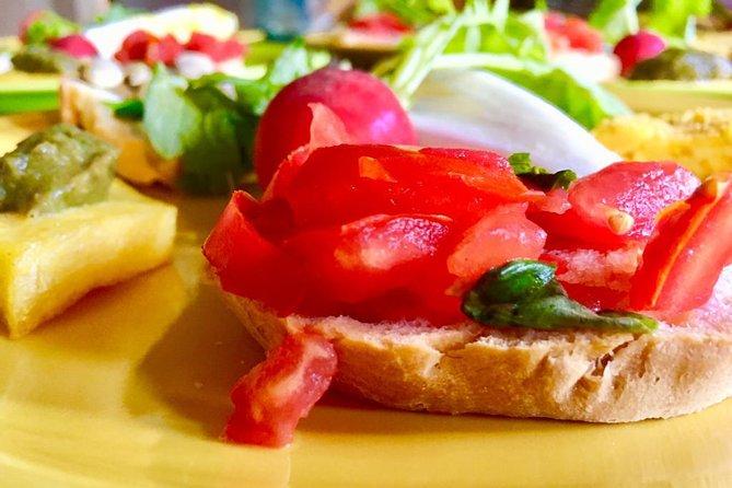 Wine & Evo oil Tasting with Vegetarian Meal, San Gimignano, ITALY