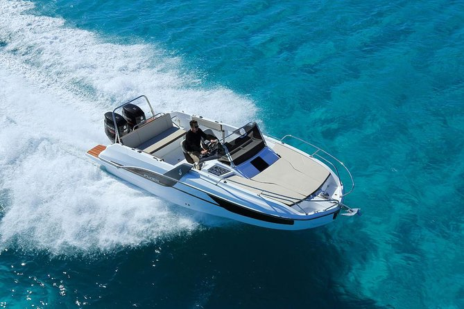 Private Customised tour with Speed Boat is just what You need on your Vacation.<br><br>We offer a price for Daily rent of the boat for 8 persons or 12 persons the maximum on one boat.