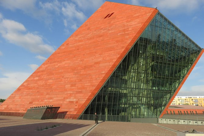 Private World War II Tour - True History and Facts, Gdansk, POLONIA