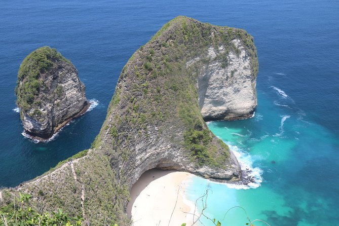 Bali Nusa Penida Tour is one day tour package we created to give you opportunity explore the beauty tourist destination in this Nusa Penida Islands. Nusa Penida is a small island which is part of the island of Bali, to get there the only transportation is by sea using Speedboat. We pick up in early morning around 06.30 am, if you stay in ubud area we pick up at 05.30 am. Place of interest will be visit during this Nusa Penida Tour.<br><br>1. Angel Billabong is Amazing view of rock formation, the scenery is fascinating will make you amazed with the view offered.<br><br>2. Pasih Uug or most known as Broken beach is also rock formation that offer spectacular view and good place for taking picture<br><br>3. Kelingking Beach is shape of the rock on the beach is look like Pinkie finger and the local people named this place with the name of the Kelingking beach<br><br>4. Crystal Bay is beach water, when exposed to sunlight it will flicker like many crystal beads on the beach<br>