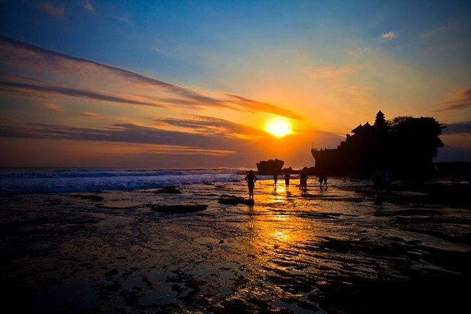 Enjoy a private 7-hour tour to visit Tanah Lot Temple while seeing an amazing sunset. You will also visit the Taman Ayun Temple (Royal Family Temple) and the art markets.