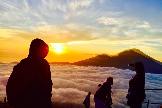 Have an amazing small group adventure on this full day sunrise trekking tour of Mount Batur. Your entire trek will be around 5 hours. You will trek to the summit of Mount Batur where you will watch a magnificent sunrise while eating breakfast with excellent views of Lake Batur and Mount Rinjani. You will then have an exciting walk around the crater.