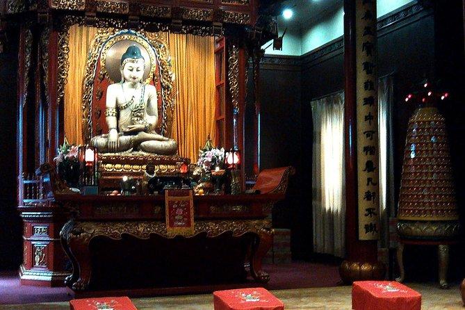 Best of Shanghai Day Tour, including Jade Buddha Temple & Bund & Yuyuan Garden, Shanghai, CHINA