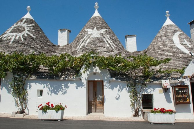 Guided tour Alberobello trulli (UNESCO World Heritage Site), one of the most important monuments of southern Italy.