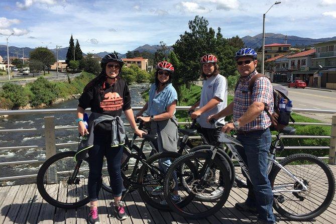 Recorrido en bicicleta por la ciudad de Cuenca, Cuenca, ECUADOR