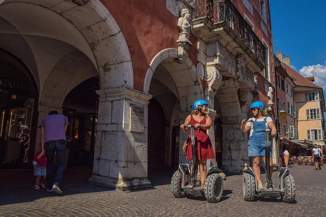 Enjoy this fun and amazing experience on a Segway© during this 1.5 hour tour.