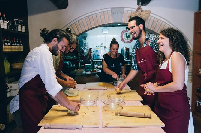 Cooking Class in a typical Tuscan Farmhouse, Siena, ITALIA