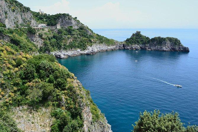 Tour the Sea Grottoes of the Amalfi Coast, Salerno, ITALIA