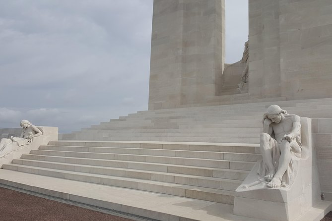 Full Day Canadian WW1 Vimy and Somme Battlefield Tour from Ypres, Ypres, BELGICA