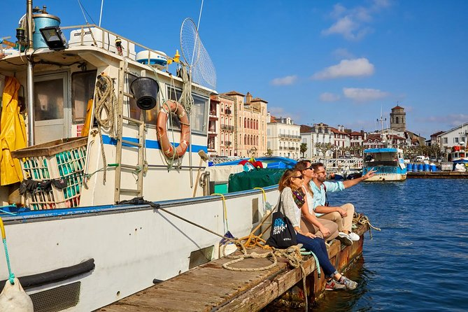 The delights of the French coast can be found close to San Sebastian. Tiny and lovely fishing villages like Saint Jean de Luz, where time seems to have stopped centuries ago, or nice villages on the beach such as Biarritz where people from all around the world spend their summer enjoying the Basque gastronomy and surf in the same town. Let Bayonne impress you, a charming small city full of historic buildings and a lovely quaint downtown, or visit Hendaye, a town in the border between France and Spain witness of many historical events throughout the last 200 years. <br><br>Do not miss the opportunity to visit the fantastic towns of the Basque French shore while you stay in San Sebastian, and do it with the comfort of having local guides and private transportation from the convenience of your hotel entrance. <br>