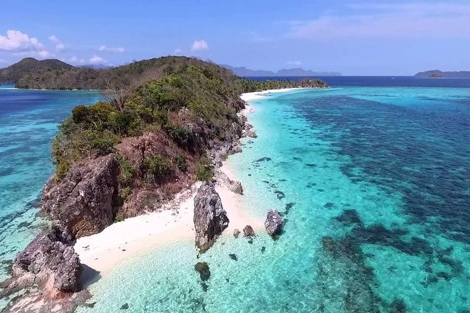 Spend a day in the most beautiful ISLAND in Coron! Malcapuya Island renowned throughout the region as one of the most singularly beautiful Islands in the Archipelago. With its Crystal clear blue waters and powdery white sands, it is heavenly idyllic beach where you can kick back and relax <br><br>Visiting: <br>*Malcapuya Island<br>* Ditaytayan Island<br>*Coco Beach<br>