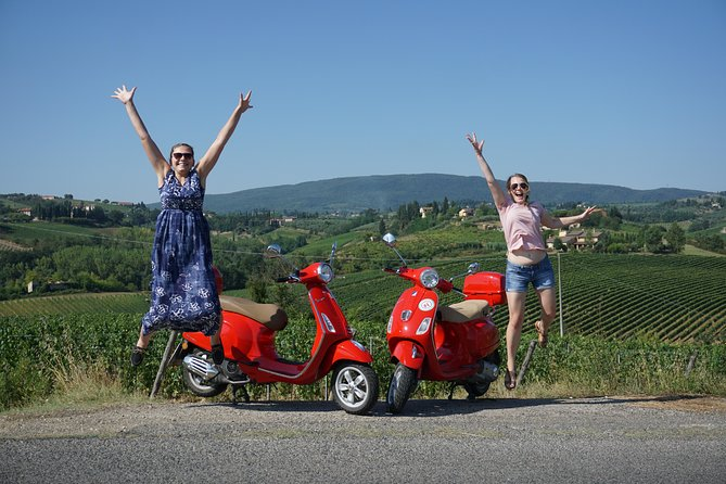 MAIS FOTOS, San Gimignano Vespa tour - 1 vespa per person