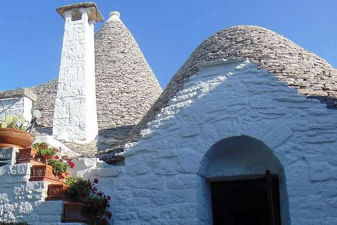 This private guided tour gives you the opportunity to discover the history of Alberobello and its trulli, one of the Unesco World Heritage sites in Italy. You will experience Apulian traditions of the past and how people used to live inside trulli.