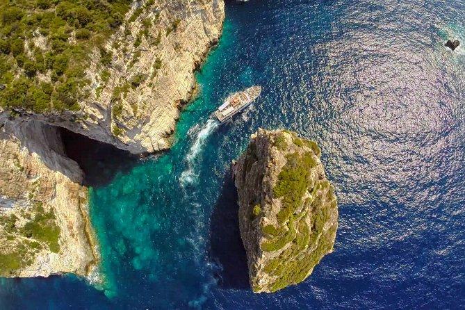 Paxos Antipaxos Blue Caves Cruise, Corfu, Grécia